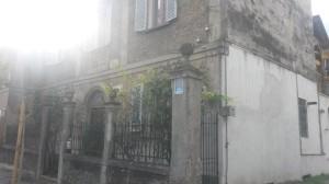 La casa sopravvissuta al sisma, diventata un vero e proprio simbolo dopo la tragedia del 1915.