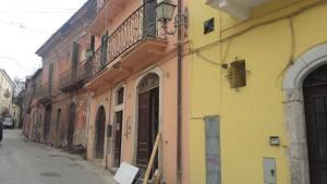 Il palazzetto in piazzetta Porta Bazzano che ospita la Stanza Antisismica in mostra permanente come un prototipo. Ad oggi all'Aquila le Stanze Antisismiche in mostra sono due