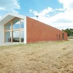 La casa studio di Sergio Serra tra le colline di Manoppello (Pescara)