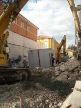 La Stanza Antisismica montata in un palazzo da demolire e ricostruire all'Aquila. La Madis Room ha sopportato la demolizione ed è rimasta indenne (crash test all'Aquila - maggio 2014)