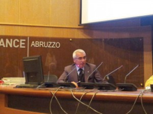 Antonio D'Intino, padre del brevetto Madis Room, durante il suo intervento al seminario del 30 ottobre 2014 all'Ance dell'Aquila