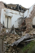 L'Aquila, una delle tante case crollate con il sisma del 6 aprile 2009: sopra alle macerie avremmo potuto vedere una Madis Room se al tempo fosse esistita