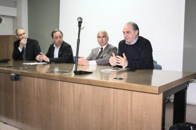 La conferenza stampa di oggi: il secondo da destra è Antonio D'Intino inventore della Stanza Antisismica