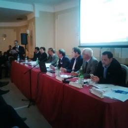Il tavolo dei relatori della Giornata nazionale della prevenzione sismica nella giornata del 23 aprile 2015. In piedi il Presidente Ance Giuseppe Scognamillo