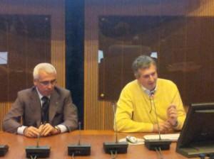 A destra il professor Riva insieme a D'intino durante il seminario all'Ance di L'Aquila del 30 ottobre 2014